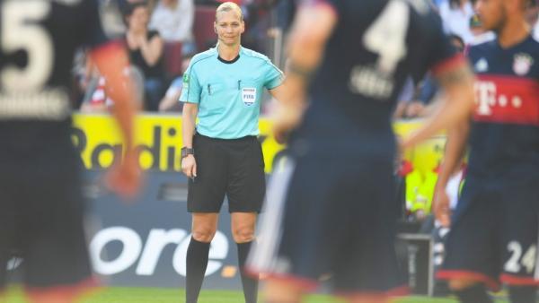 إيران تلغي بث مباراة في البطولة الألمانية لأن الحكم امرأة !