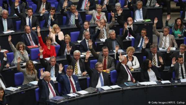 """البرلمان الألماني يصدق على قرار يصف مذابح الأرمن """"بالإبادة الجماعية"""""""