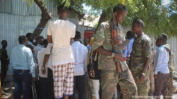 مقتل وإصابة العشرات في هجوم على فندق في الصومال