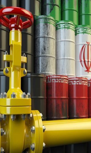 أمريكا تطالب حلفاءها بوقف واردات النفط من إيران اعتبارا من نوفمبر