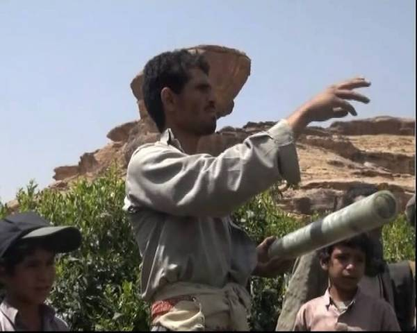 بالصور| الصواريخ العنقودية توزع القنابل المميتة في القرى اليمنية