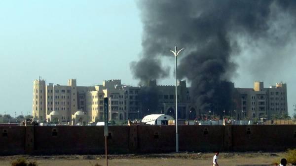 """""""داعش"""" يتبنى هجوم عدن الذي استهدف خالد بحاح ويعلن عن هجمات أخرى (تفاصيل - فيديو)"""