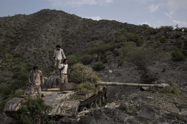 مدفعية المشتركة تدك مواقع للمليشيا في حبيل السماعي بالضالع غداة انفجار بمريس
