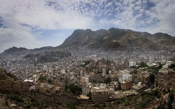 تعز: مقتل طفلة أمام منزلها برصاص قناص حوثي في جبل حبشي