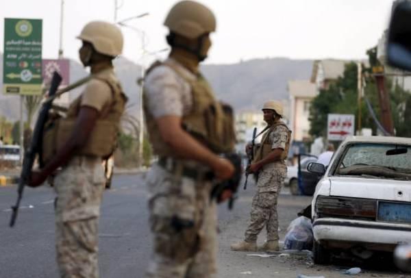 «عـدن.. لمـن؟»: تفاوض مع القاعدة، مفارقة إمارتية، وأول دم يمني برصاص السودانيين