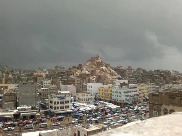 البيضاء.. إصابة مسلحين حوثيين في مواجهات برداع عقب إحراقهم محال تجارية