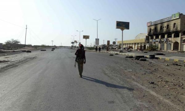 قصف مدفعي واستهداف مكثف لمليشيات الحوثي على الجبلية