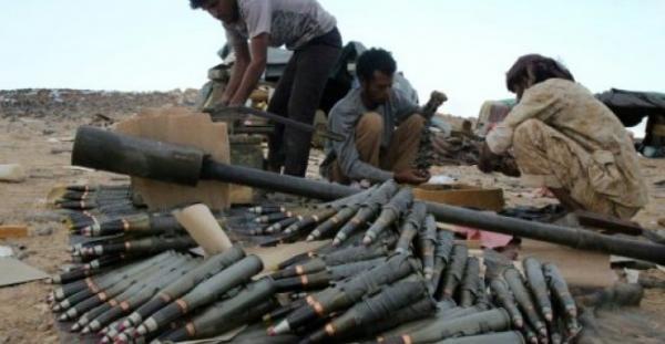 مدفعية القوات الحكومية تدك تعزيزات حوثية في جبهة المهاشمة بالجوف