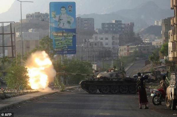 مصرع عدد من الحوثيين بينهم قيادي في مواجهات عنيفة غربي مدينة تعز