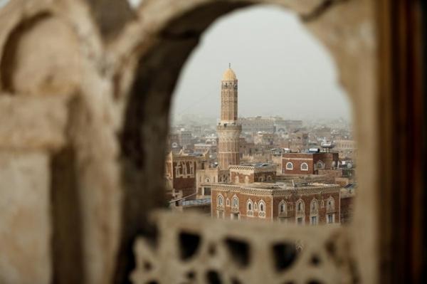 في إطار عسكرة المساجد.. مليشيات الحوثي تسعى لتعميم صيغة جديدة للأذان