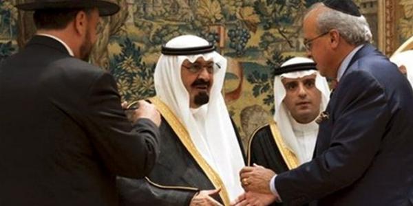صحيفة إسرائيلية تكشف عن رسالة من شارون لملك السعودية السابق
