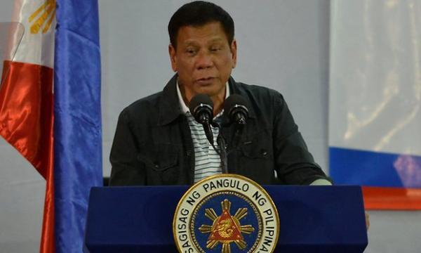 الرئيس الفلبينى: مراجعة الاتفاق العسكري مع امريكا