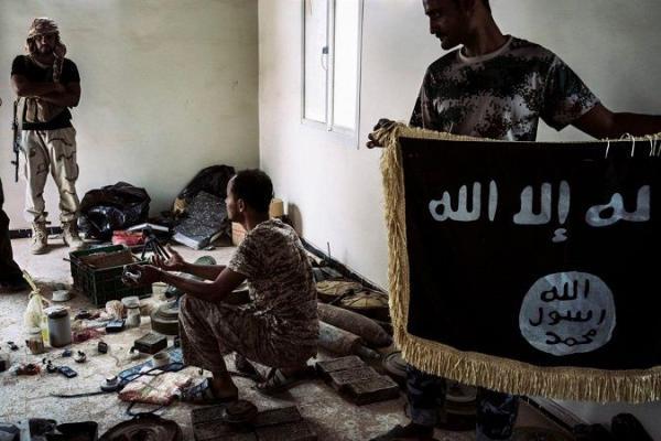 """صحيفة أمريكية: داعش برز بعد فوضى """"الربيع العربي"""" في اليمن وتنافسه مع القاعدة تحول إلى نزاع دموي شامل"""