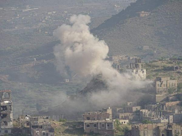 إصابة امرأتين بقصف مدفعي حوثي على منازل المواطنين بمقبنة تعز