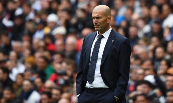 جماهير ريال مدريد تطالب بطرد زيدان