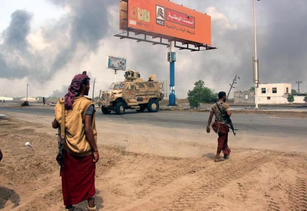 قتلى وجرحى حوثيون بالعشرات في هجوم للقوات المشتركة وقصف جوي بالحديدة