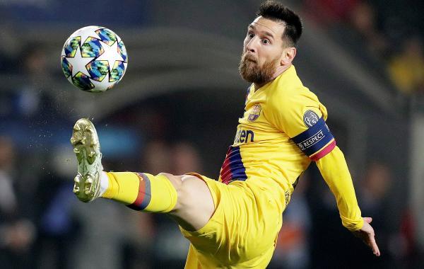 برشلونة يعود بفوز صعب من براغ وانتر يحسم قمة دورتموند