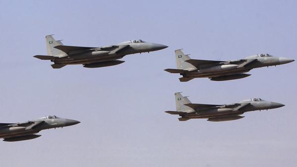 مقاتلات التحالف تقصف تجمعات وآليات حوثية بالجوف