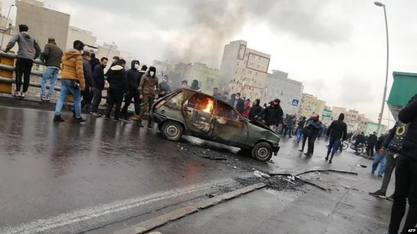 انتفاضة إيران.. مقتل 36 شخصاً واعتقال أكثر من ألفي متظاهر خلال يومين