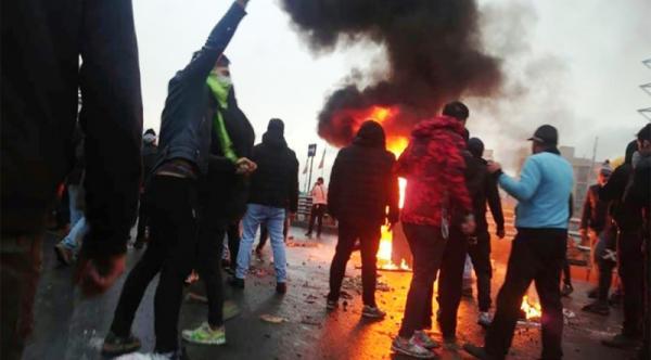 إيران تعترف للمرة الأولى بقتل متظاهرين بالرصاص