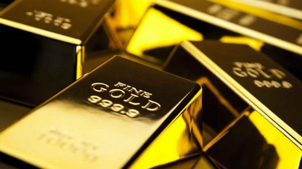 الذهب يسجل أول خسارة في خمسة أسابيع مع صعود الدولار