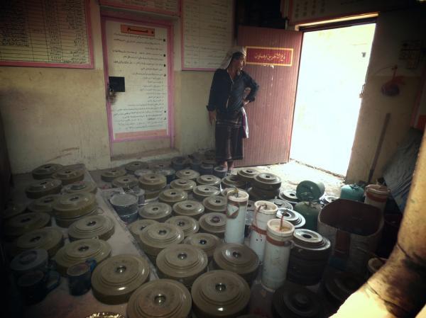 المركز التنفيذي لنزع الألغام يزيل خلال أقل من شهر 2.862 لغماً وذخيرة من مخلفات الحرب في عدن ومحيطها