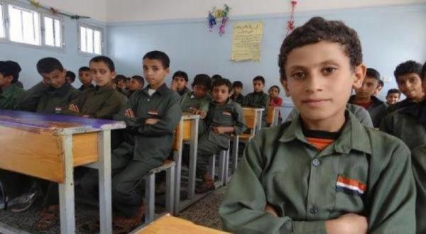 مليشيا الحوثي تستبدل معلمين ومديري مدارس بموالين لها لا يمتلكون مؤهلات علمية