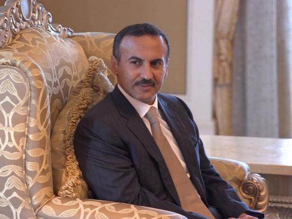 السفير أحمد علي يعزي بوفاة البار
