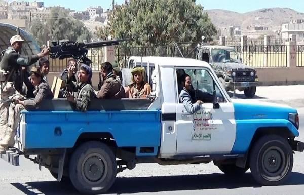 مقتل 6 &#34حوثيين&#34 و2 من القاعدة في هجوم على طقمين بالبيضاء اليمنية