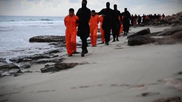 &#34دايلي ميل&#34: داعش تعتزم تنفيذ مذبحة جديدة بحق أقباط مصريين في ليبيا