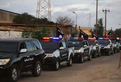 شرطة 'الدولة الإسلامية' تجوب شوارع مدينة سرت!