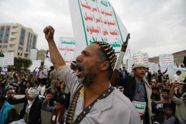 رويترز: محادثات سرية بين الحوثيين والسعودية