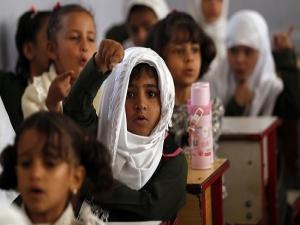 في ظل تعليم هش.. تهديد بفصل طلاب مدارس في صنعاء يمتنعون عن دفع رسوم فرضتها المليشيا (وثيقة)