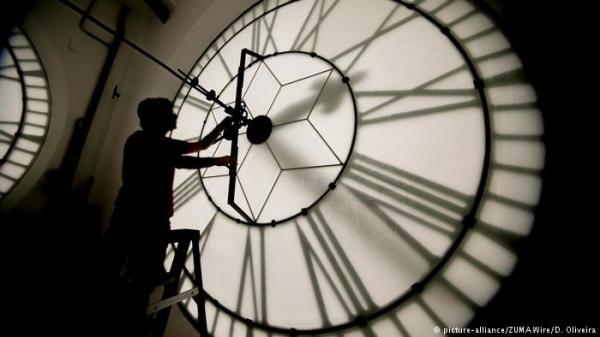 إنجاز تاريخي: علماء يتمكنون من &#34عكس مسار الزمن&#34