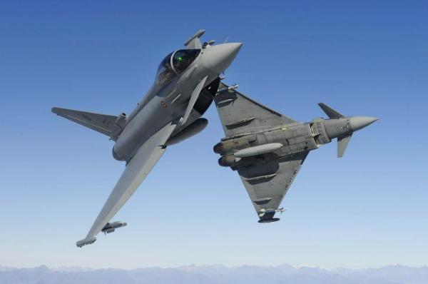 الكويت وقعت رسميا عقدا لشراء 28 مقاتلة يوروفايتر