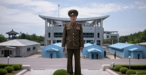 قمة تاريخية بين الكوريتين الجمعة تعزز الامل بتحقيق السلام