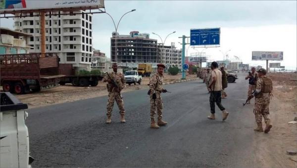 عدن.. مقتل جندي وإصابة اثنين آخرين بكمين مسلح