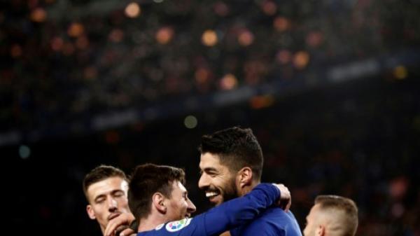 برشلونة للاحتفال باللقب بين جمهوره قبل استضافة ليفربول