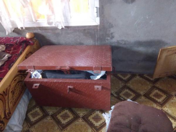 صور- عملية نوعية وإصابة حوثي حاول اقتحام منزل ونجاة قائد عسكري