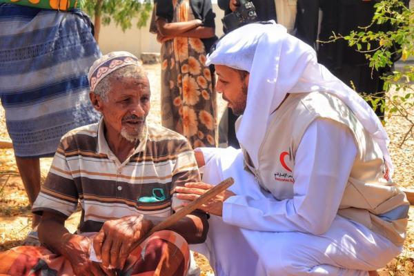 الإمارات تطلق حملة &#34مير رمضان&#34 لتوزيع سلل غذائية لـ100 ألف من أسر الشهداء والنازحين والأشد فقراً