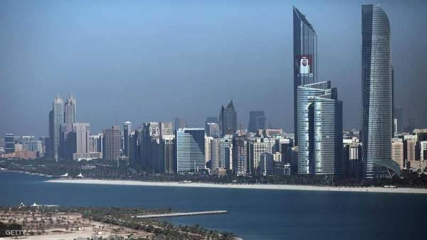 الإمارات تفرج عن زورق عسكري قطري دخل مياهها الإقليمية