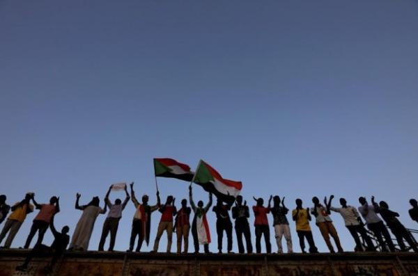 المجلس العسكري الحاكم في السودان يعلن عن فترة انتقالية مدتها ثلاث سنوات