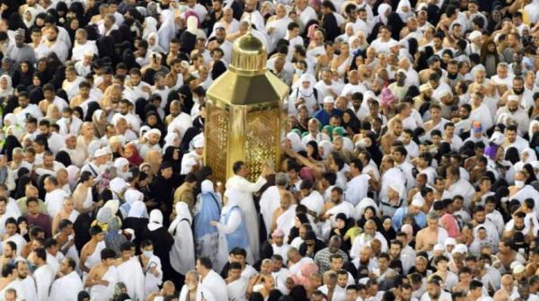 السعودية تلغي شرط تسجيل المعتمرين القطريين