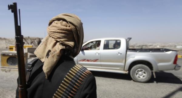 المليشيات الحوثية تفتتح جمارك جديدة بأخطر موقع عسكري في البيضاء