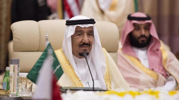 اليمن يرحب بدعوة الملك سلمان لعقد قمة عربية طارئة