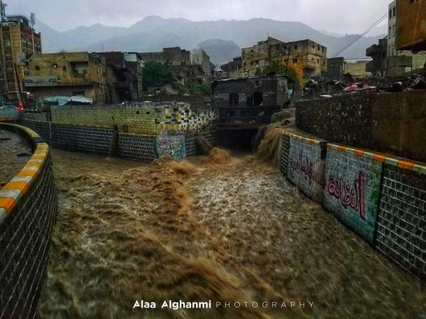 تأثر 70 ألف شخص بالأمطار الغزيرة في 10 محافظات يمنية