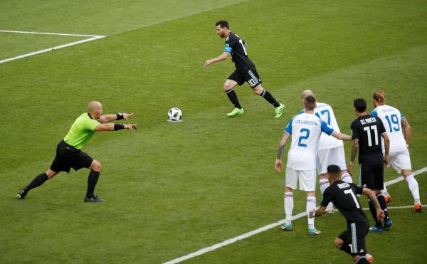 ميسي يهدر ركلة جزاء وأيسلندا تفرض التعادل على الأرجنتين