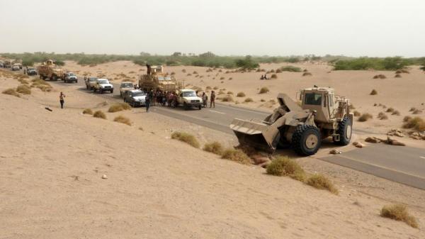 القوات المشتركة تشن هجوما مباغتا على المليشيا والاخيرة تقصف مطار الحديدة