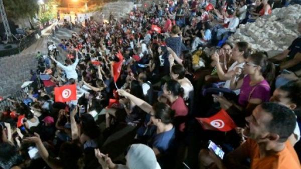 أمم أفريقيا 2019: تونس تخصص طائرات لنقل المشجعين لمتابعة مباراة نصف النهائي