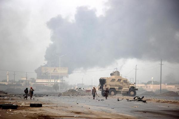 الحديدة.. مليشيا الحوثي تشن قصفاً عشوائياً طال منازل المواطنين في مدينة التحيتا